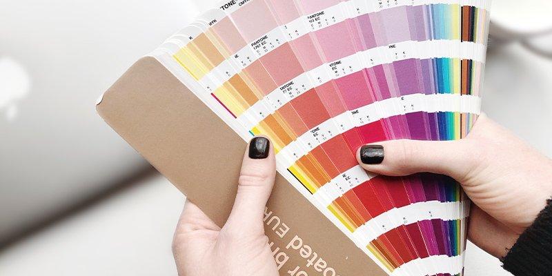 Kleuren kiezen kleurenschema's huisstijl